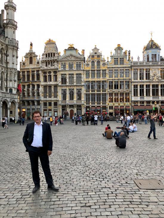 GU auf dem Großen Platz in Brüssel
